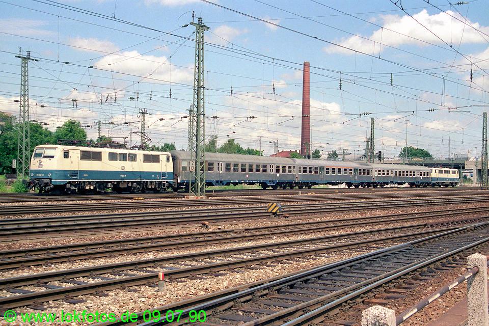 http://www.lokfotos.de/fotos/1990/0709/10565.jpg