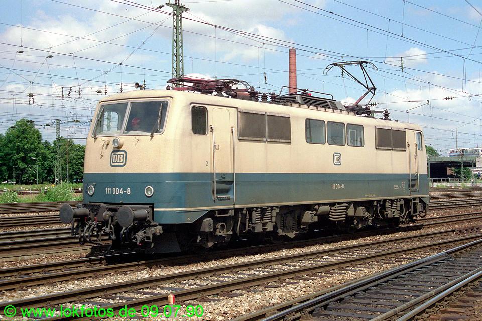 http://www.lokfotos.de/fotos/1990/0709/10573.jpg