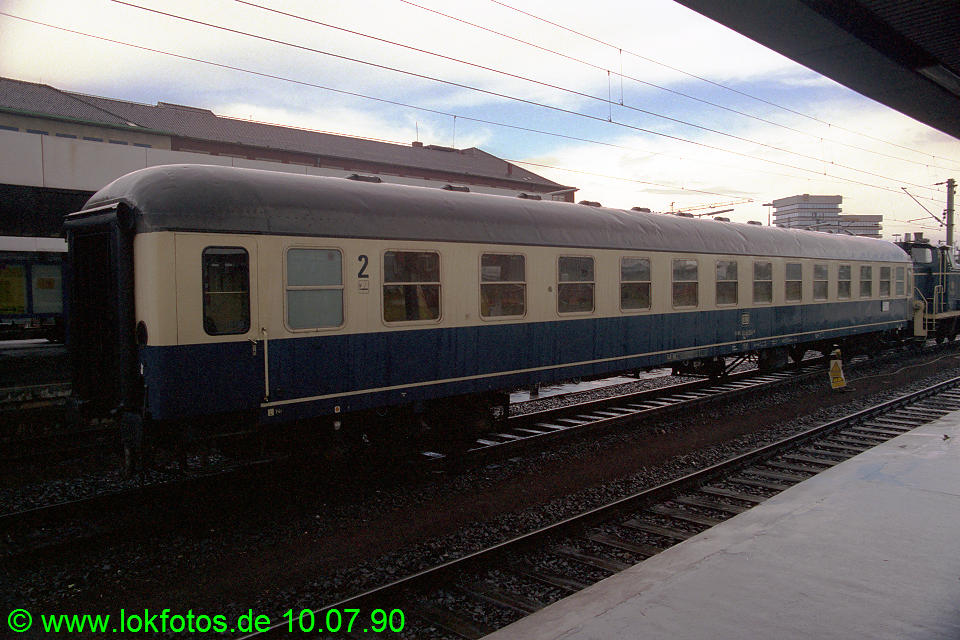 http://www.lokfotos.de/fotos/1990/0710/10584.jpg