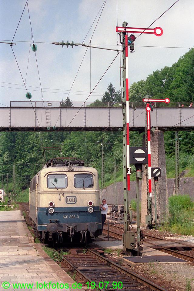 http://www.lokfotos.de/fotos/1990/0719/10851.jpg
