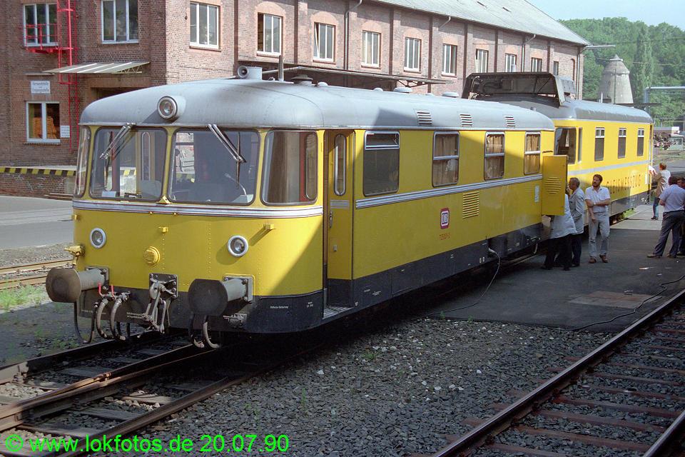 http://www.lokfotos.de/fotos/1990/0720/10866.jpg