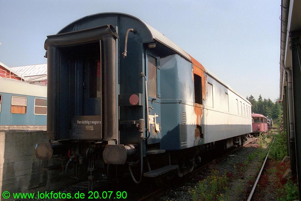 http://www.lokfotos.de/fotos/1990/0720/10879.jpg