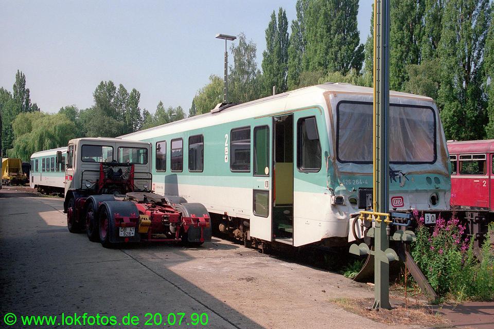 http://www.lokfotos.de/fotos/1990/0720/10905.jpg