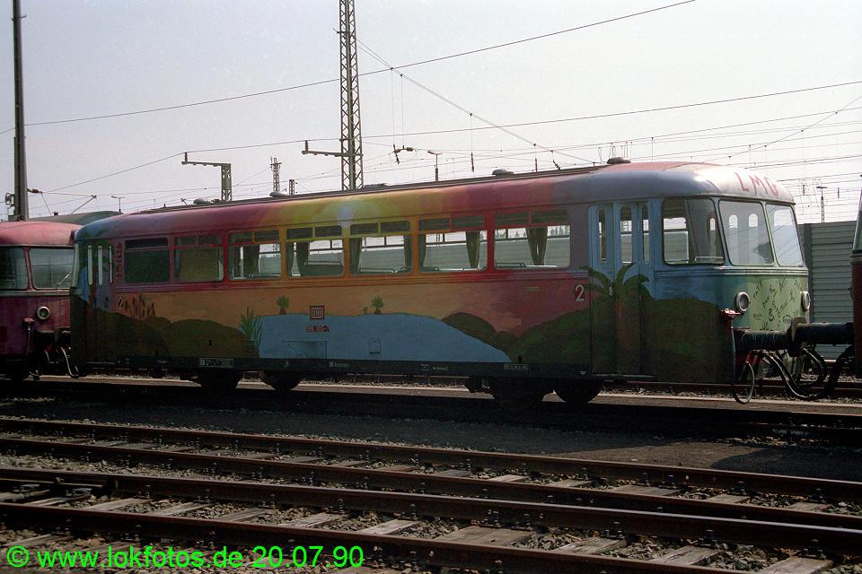 http://www.lokfotos.de/fotos/1990/0720/10914.jpg