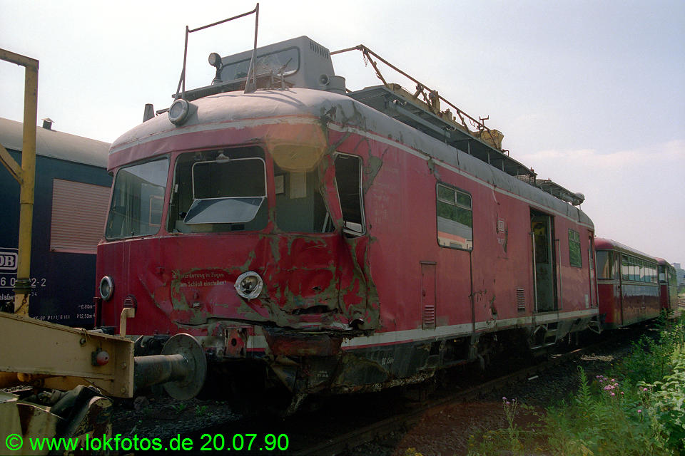 http://www.lokfotos.de/fotos/1990/0720/10922.jpg
