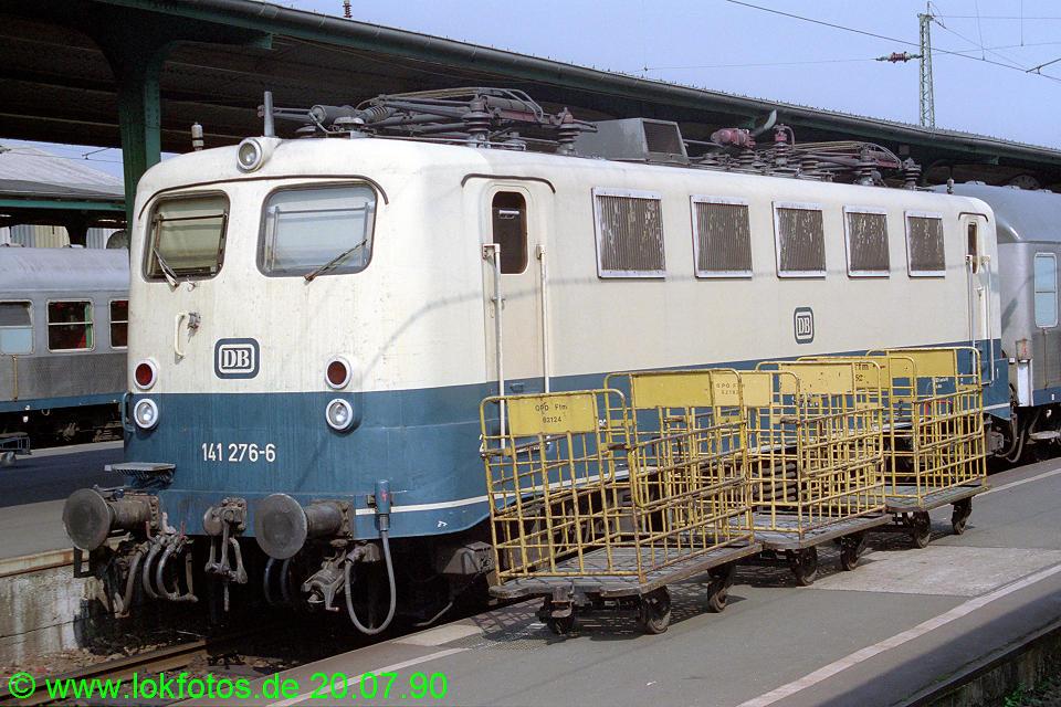 http://www.lokfotos.de/fotos/1990/0720/10928.jpg