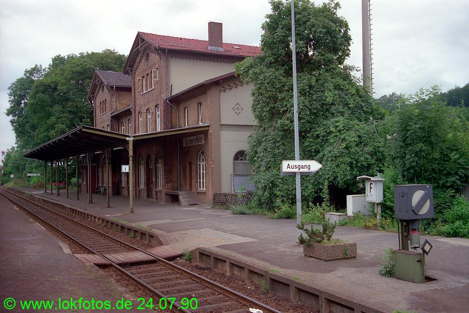 http://www.lokfotos.de/fotos/1990/0724/11038.jpg