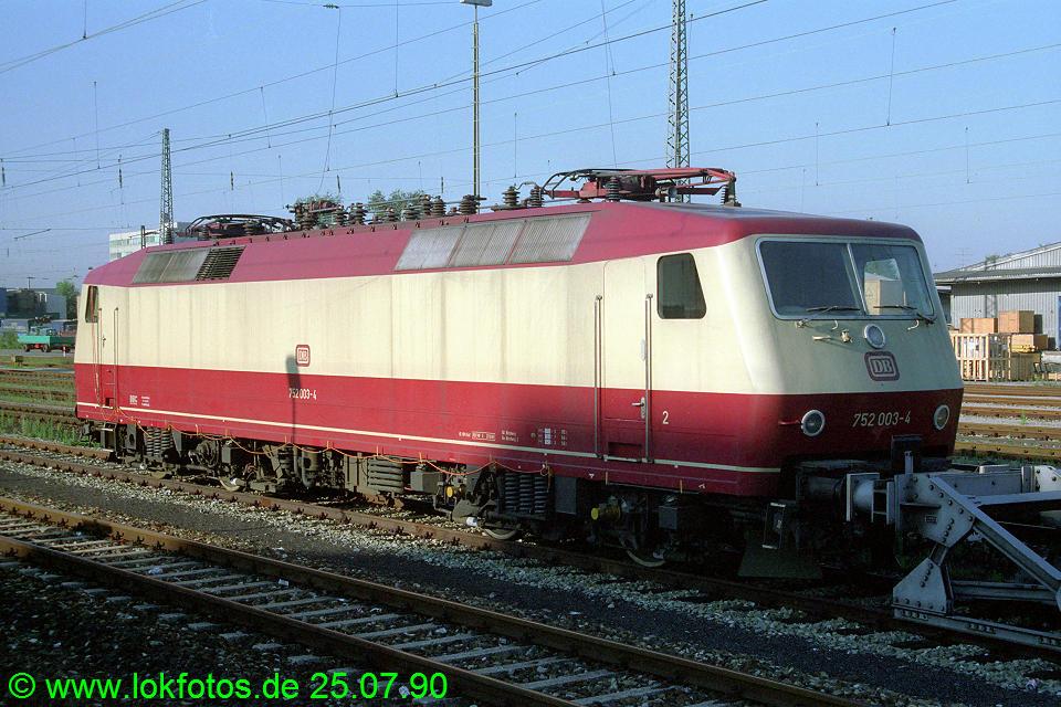 http://www.lokfotos.de/fotos/1990/0725/11073.jpg