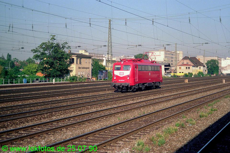 http://www.lokfotos.de/fotos/1990/0725/11075.jpg
