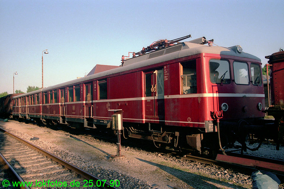 http://www.lokfotos.de/fotos/1990/0725/11141.jpg