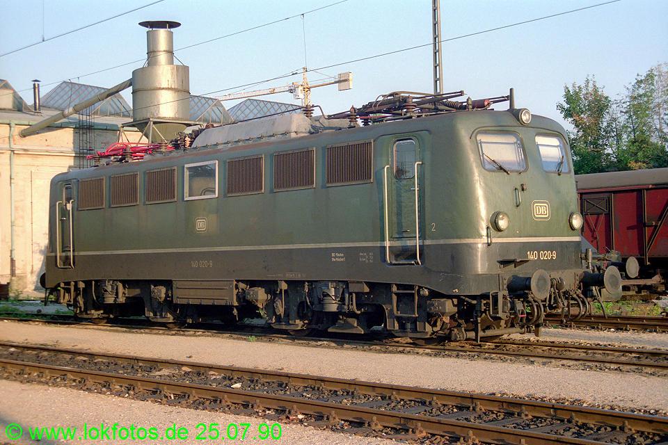 http://www.lokfotos.de/fotos/1990/0725/11150.jpg