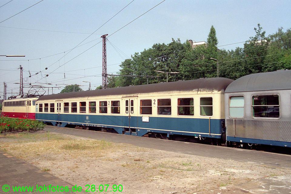 http://www.lokfotos.de/fotos/1990/0728/11180.jpg