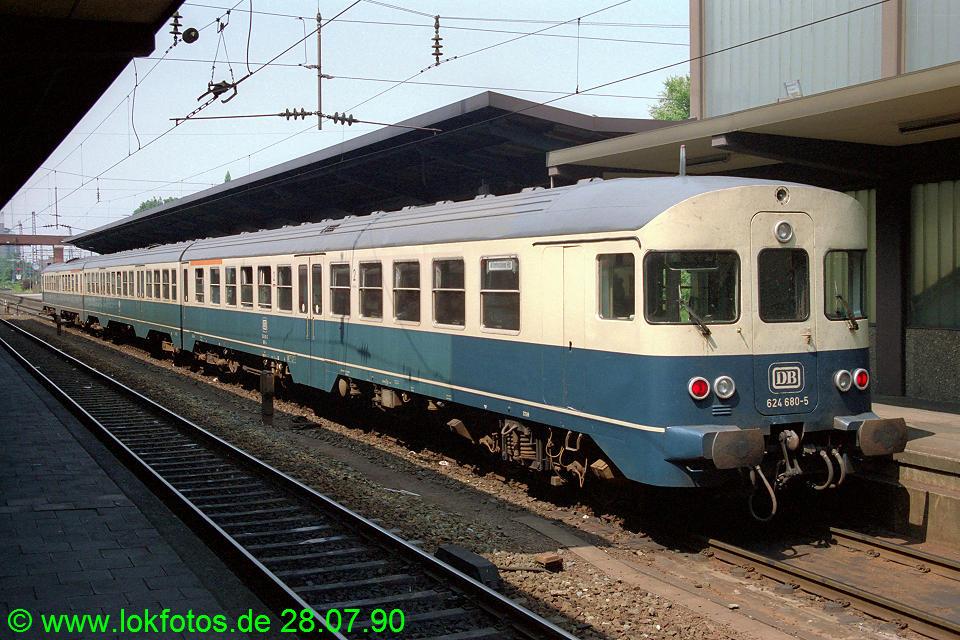 http://www.lokfotos.de/fotos/1990/0728/11182.jpg