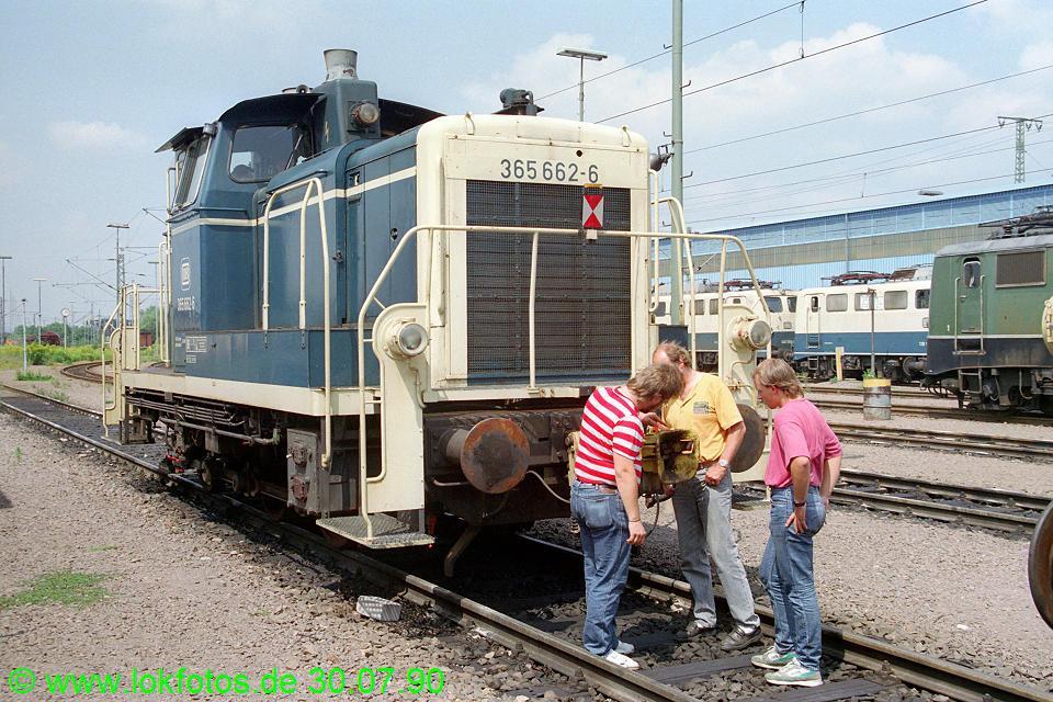 http://www.lokfotos.de/fotos/1990/0730/11222.jpg