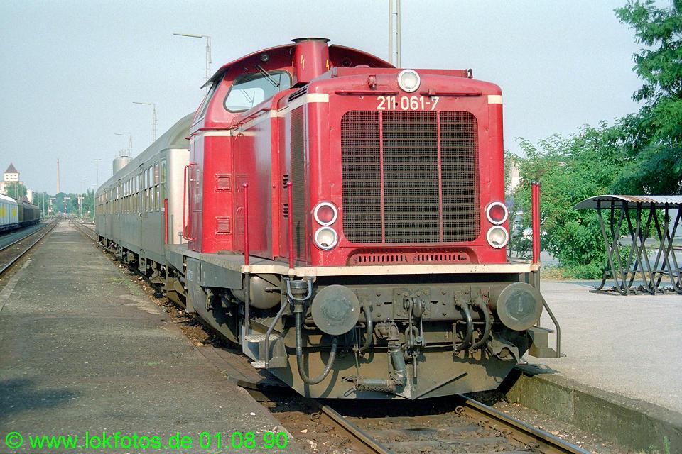http://www.lokfotos.de/fotos/1990/0801/11332.jpg