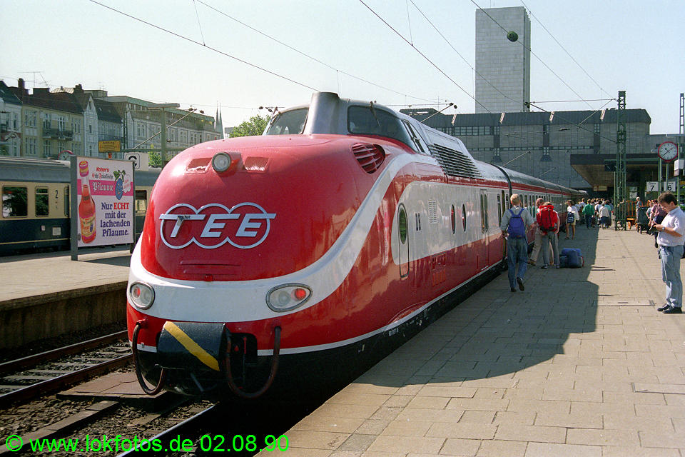 http://www.lokfotos.de/fotos/1990/0802/11334.jpg