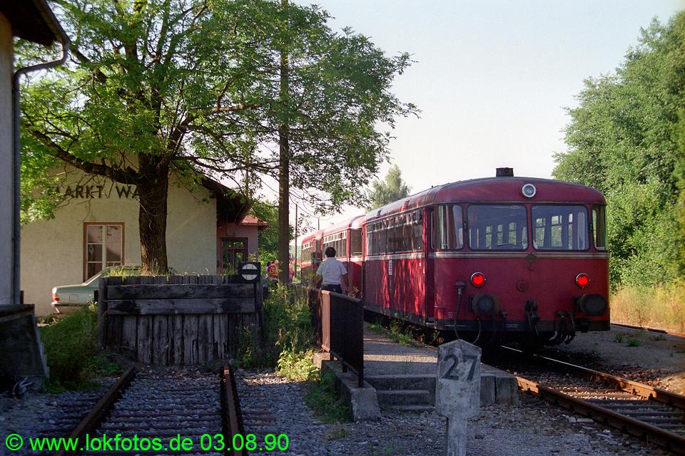 http://www.lokfotos.de/fotos/1990/0803/11344.jpg