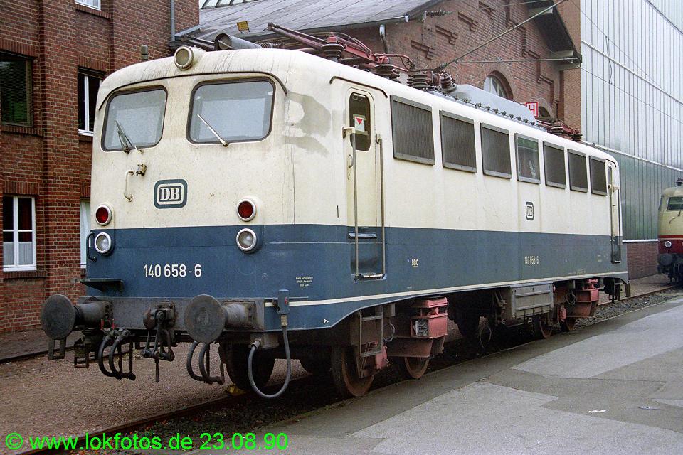http://www.lokfotos.de/fotos/1990/0823/11373.jpg