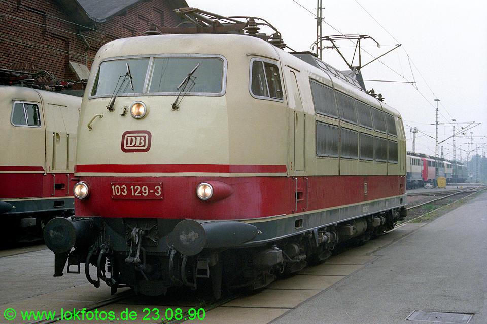 http://www.lokfotos.de/fotos/1990/0823/11375.jpg