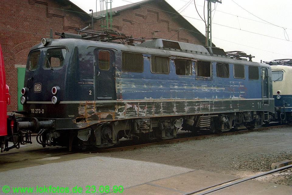 http://www.lokfotos.de/fotos/1990/0823/11379.jpg