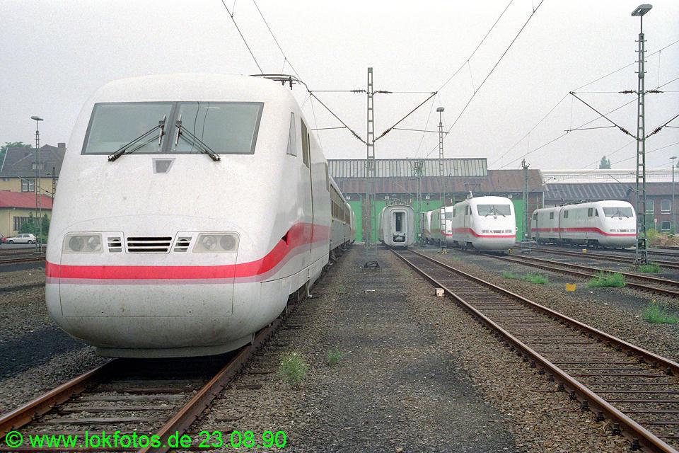 http://www.lokfotos.de/fotos/1990/0823/11393.jpg