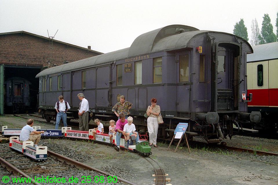 http://www.lokfotos.de/fotos/1990/0825/11437.jpg
