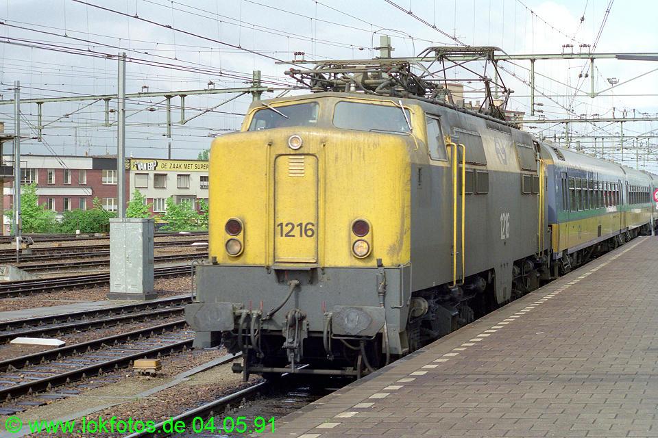 http://www.lokfotos.de/fotos/1991/0504/12070.jpg