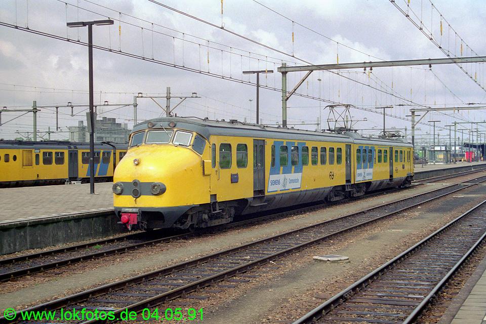 http://www.lokfotos.de/fotos/1991/0504/12091.jpg
