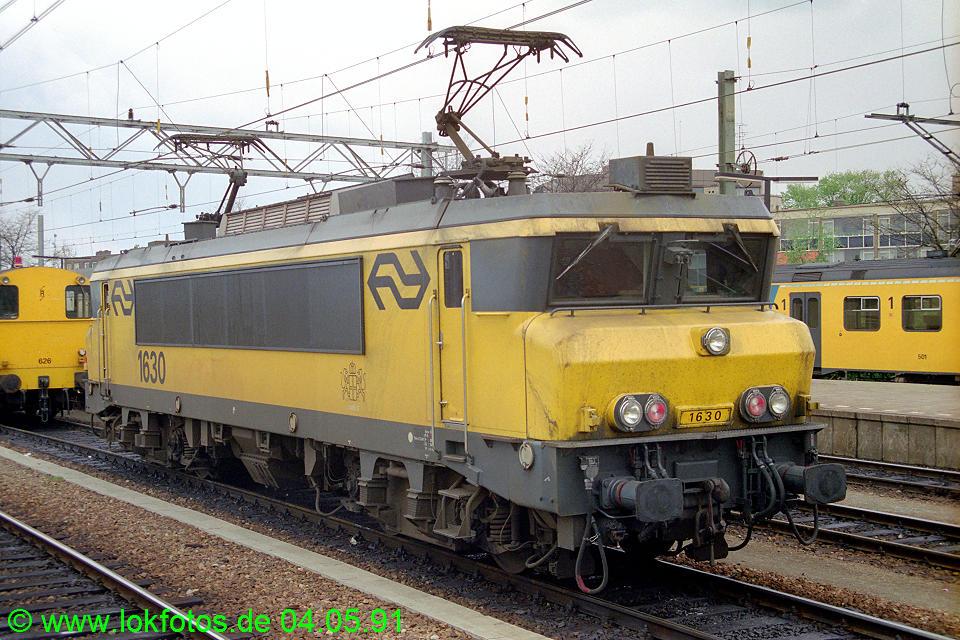 http://www.lokfotos.de/fotos/1991/0504/12100.jpg
