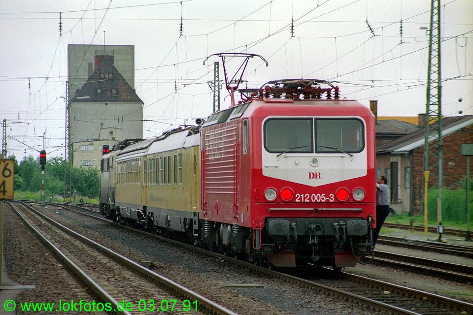 http://www.lokfotos.de/fotos/1991/0703/12221.jpg
