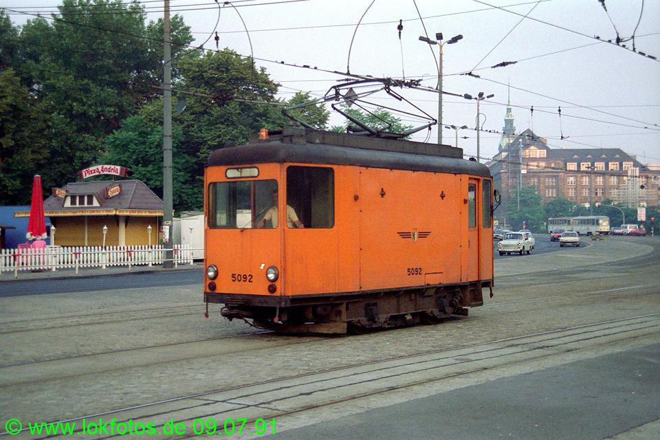 http://www.lokfotos.de/fotos/1991/0709/12404.jpg