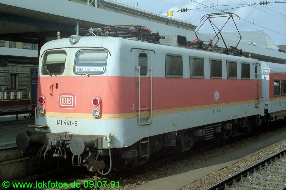http://www.lokfotos.de/fotos/1991/0709/12425.jpg