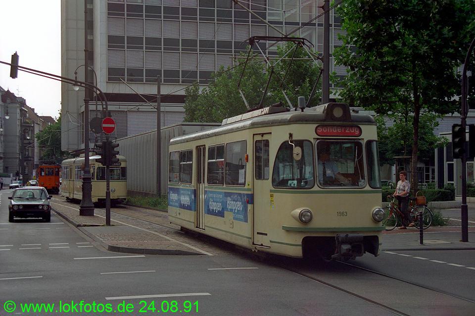 http://www.lokfotos.de/fotos/1991/0824/13703.jpg