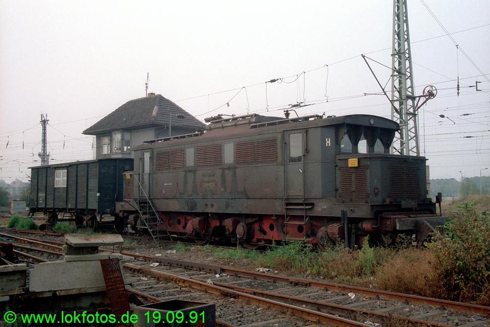http://www.lokfotos.de/fotos/1991/0919/13894.jpg