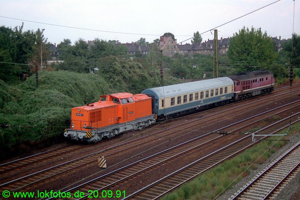 http://www.lokfotos.de/fotos/1991/0920/14074.jpg