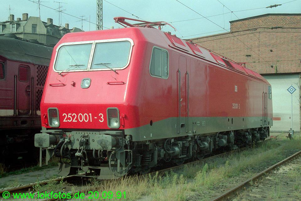 http://www.lokfotos.de/fotos/1991/0920/14085.jpg