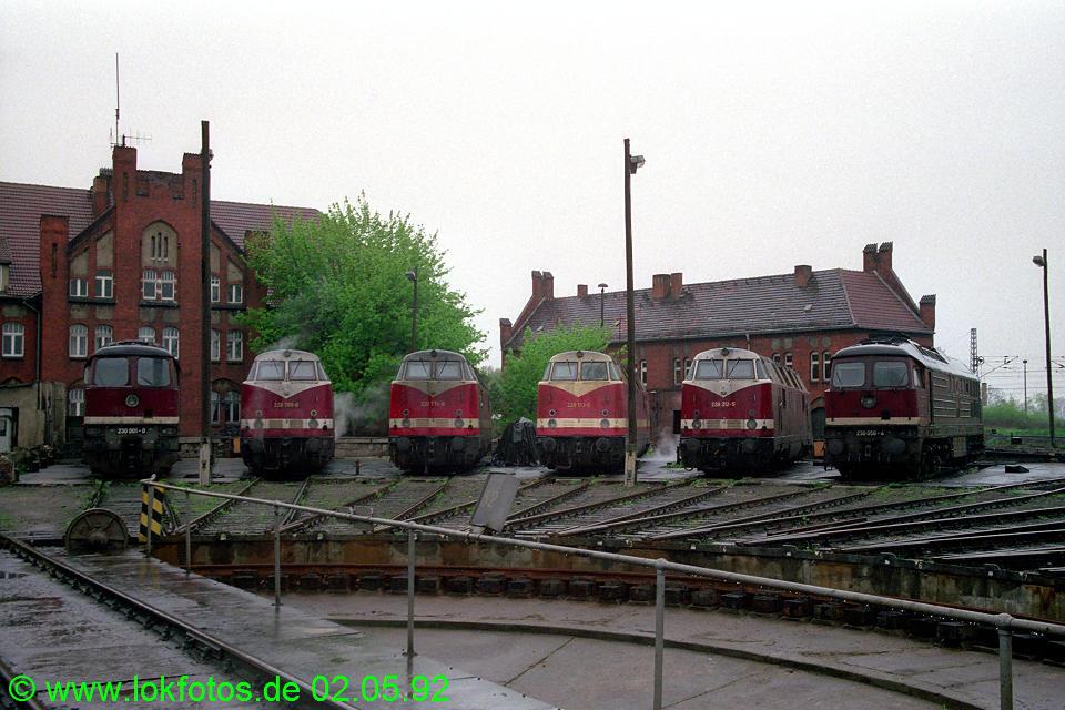 http://www.lokfotos.de/fotos/1992/0502/15734.jpg