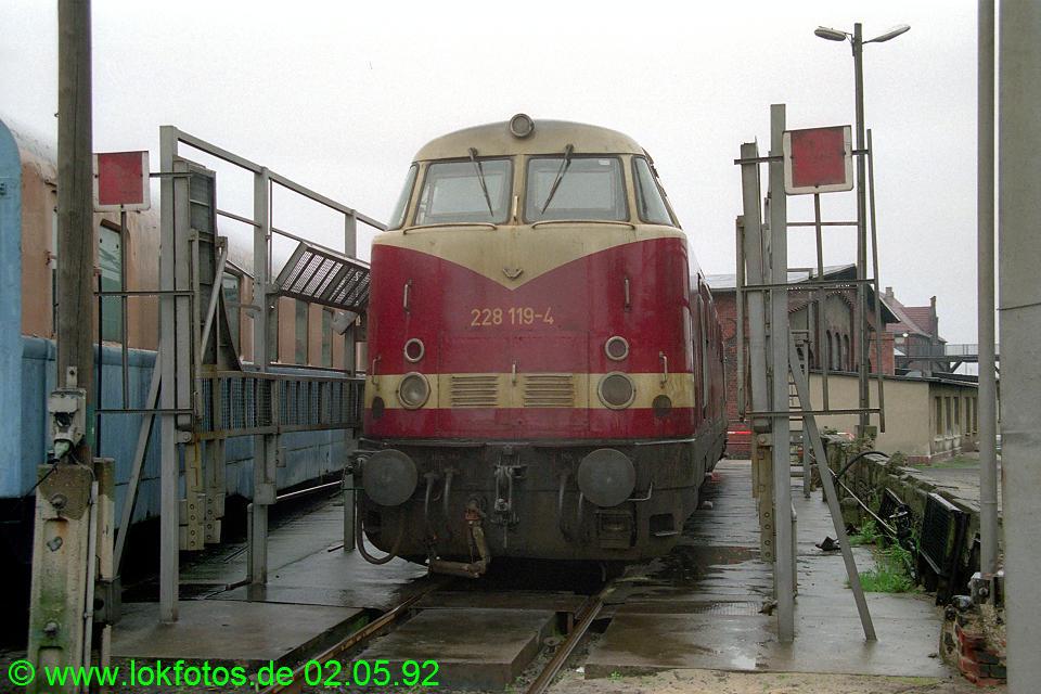 http://www.lokfotos.de/fotos/1992/0502/15735.jpg