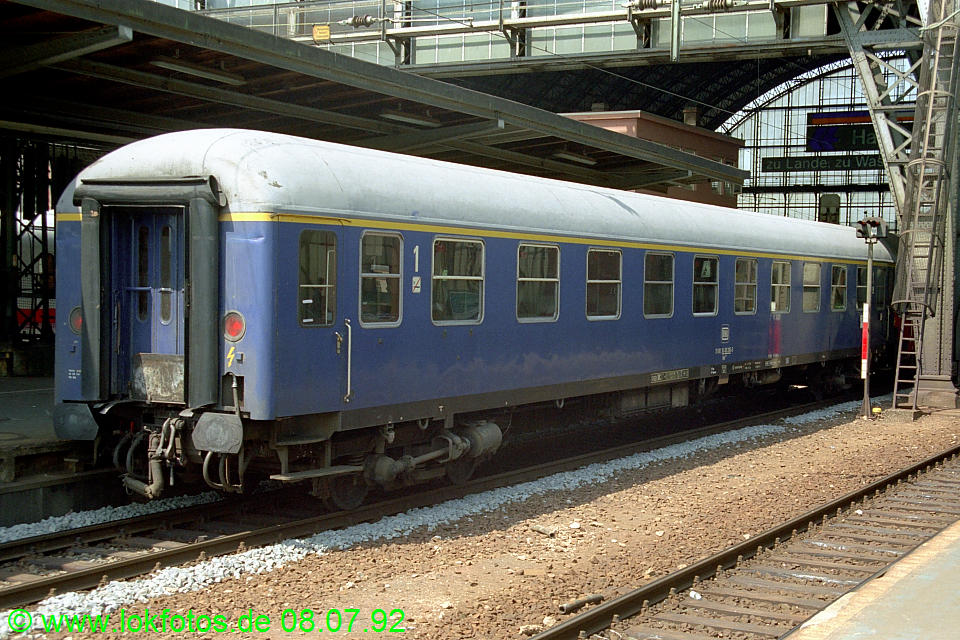 http://www.lokfotos.de/fotos/1992/0708/16615.jpg