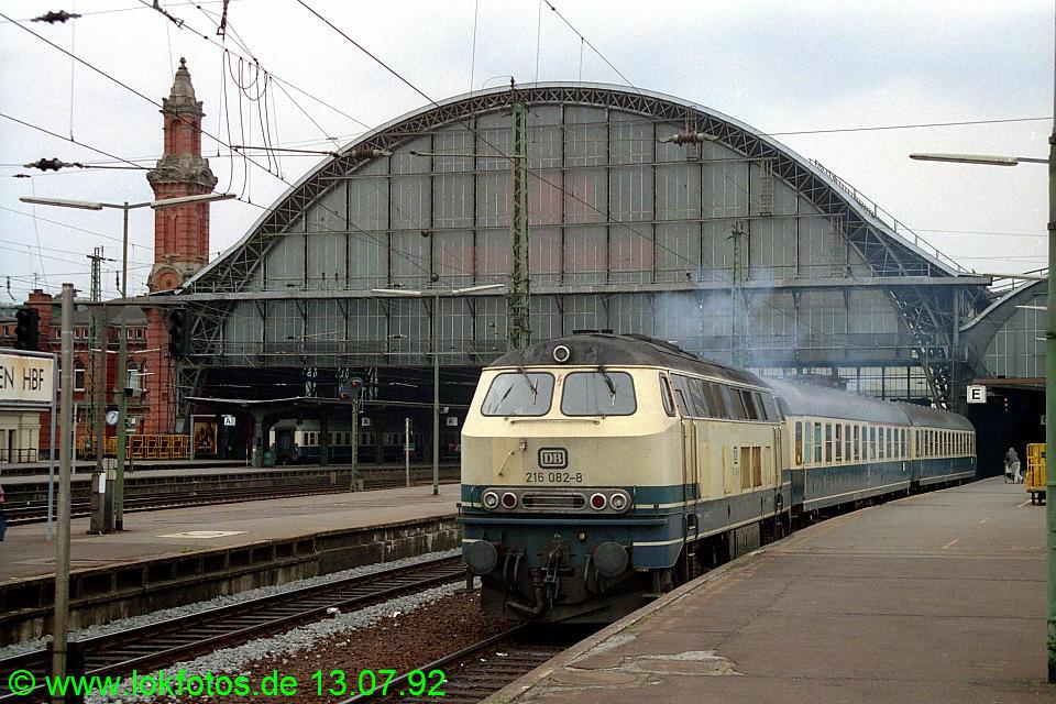 http://www.lokfotos.de/fotos/1992/0713/16720.jpg