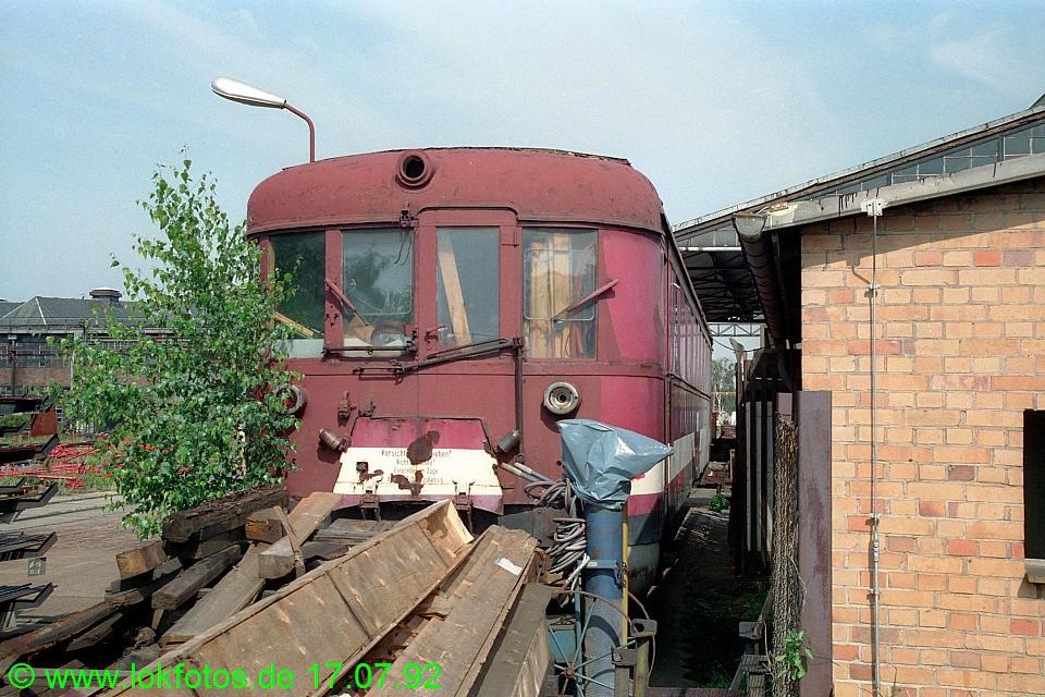 http://www.lokfotos.de/fotos/1992/0717/16782.jpg