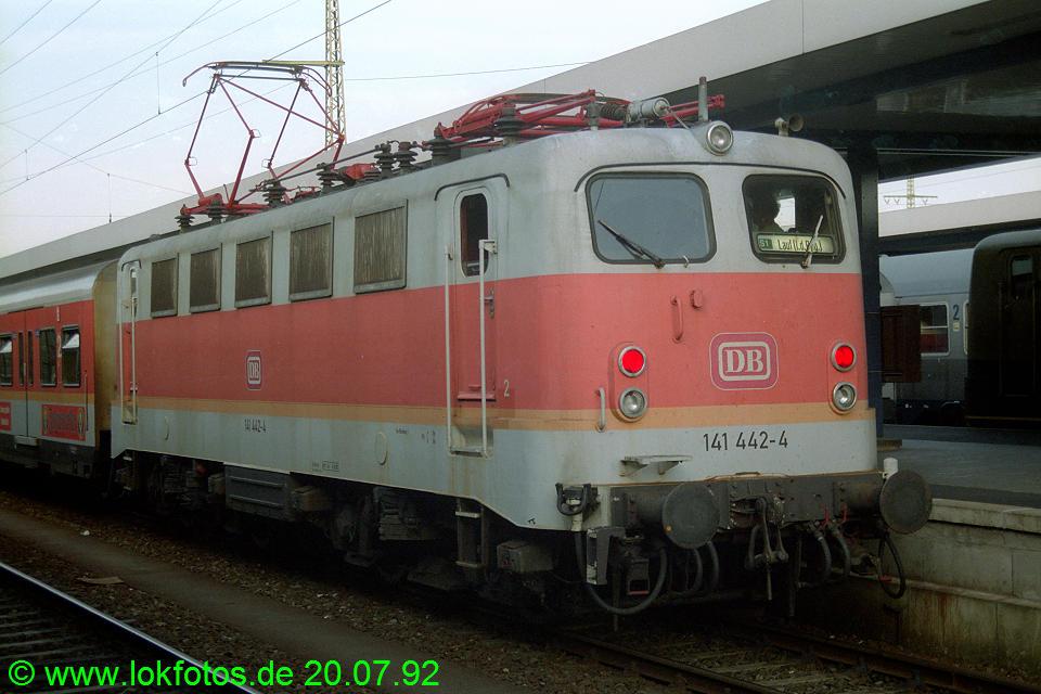 http://www.lokfotos.de/fotos/1992/0720/16971.jpg