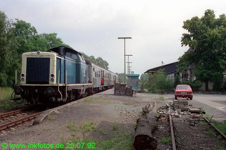 http://www.lokfotos.de/fotos/1992/0725/17095.jpg