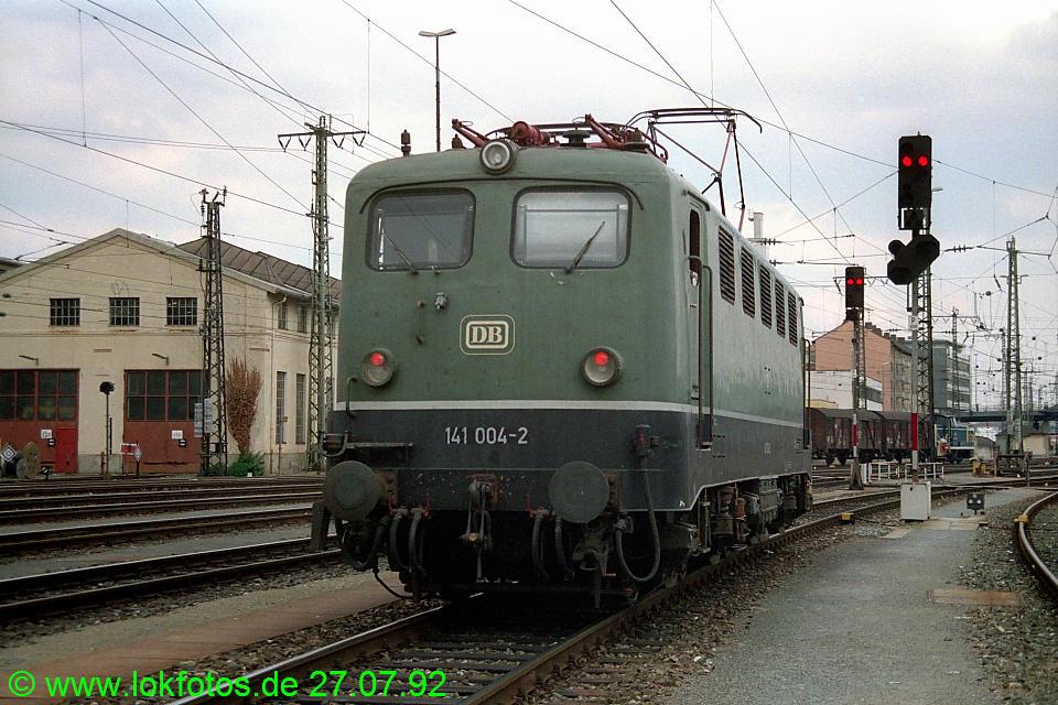 http://www.lokfotos.de/fotos/1992/0727/17147.jpg