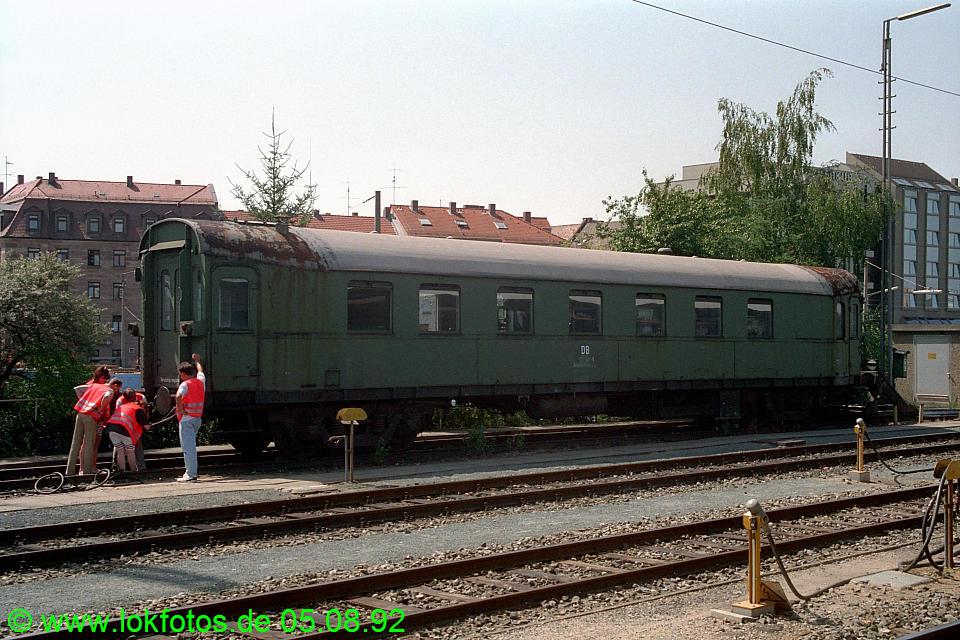 http://www.lokfotos.de/fotos/1992/0805/17513.jpg