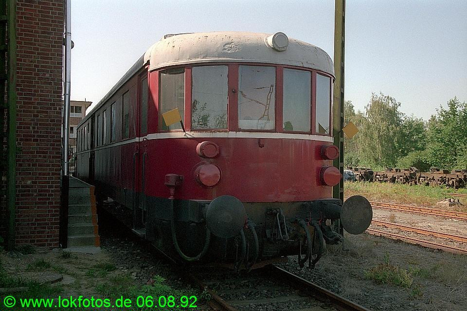 http://www.lokfotos.de/fotos/1992/0806/17572.jpg