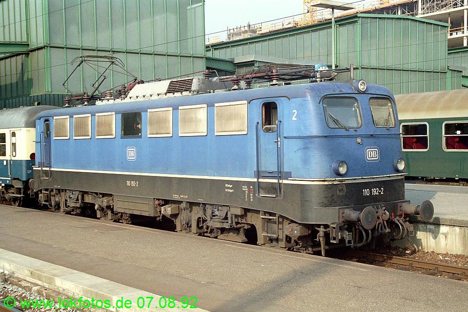 http://www.lokfotos.de/fotos/1992/0807/17648.jpg