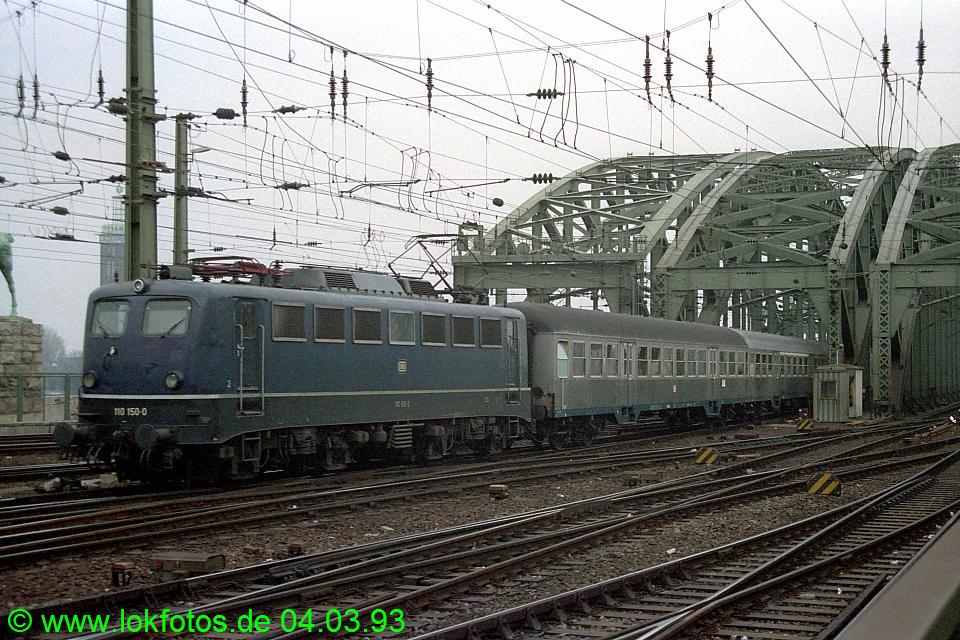http://www.lokfotos.de/fotos/1993/0304/18078.jpg