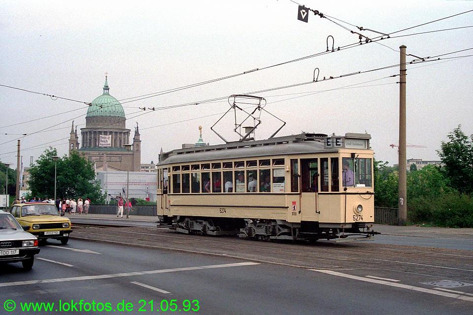 http://www.lokfotos.de/fotos/1993/0521/18243.jpg