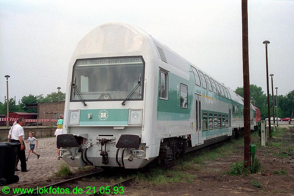 http://www.lokfotos.de/fotos/1993/0521/18247.jpg